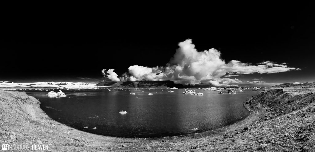 Black and white image of the Jökulsárlón Lagoon and its cloud cover
